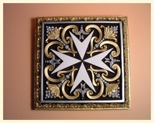 Tile Square Cross Large Coloured Black